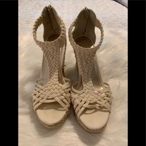 Shoes - Off white size 7 wedges never worn super cute